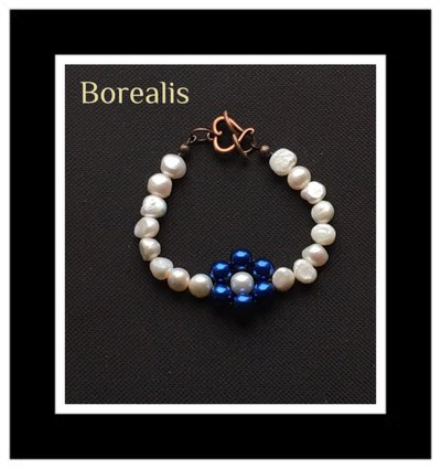 Bracciale in perle d'acqua e perle di Boemia