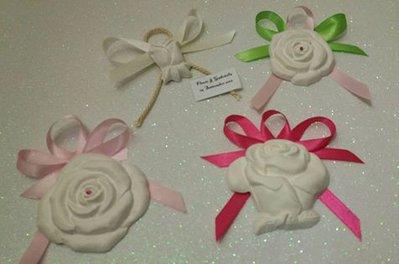 bomboniera segnaposto rose in gesso ceramico profumato