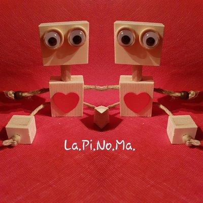 Robot in legno decorativo