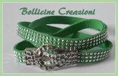 Bracciale in alcantara con borchie luminose colore verde con chiusura a calamita a fibbia per cintura