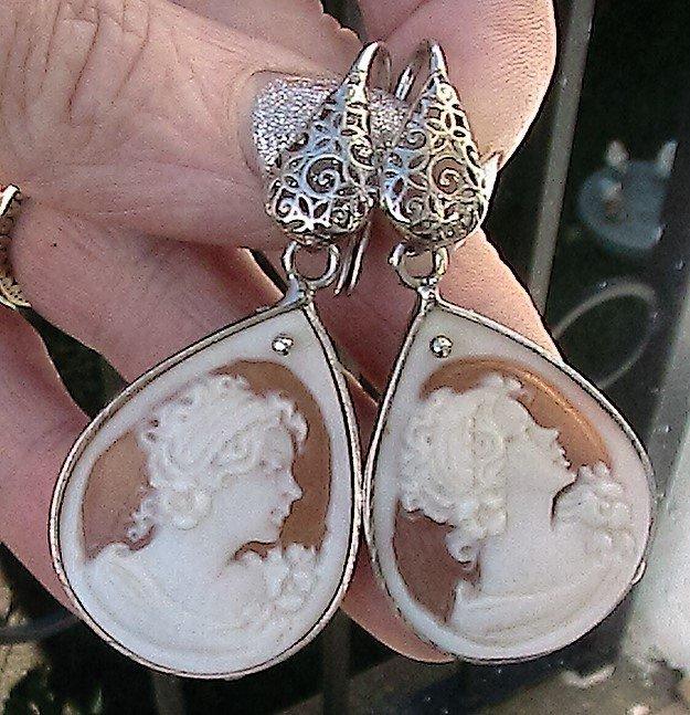 Orecchini con vero cammeo scolpito da maestri artigiani in argento 925