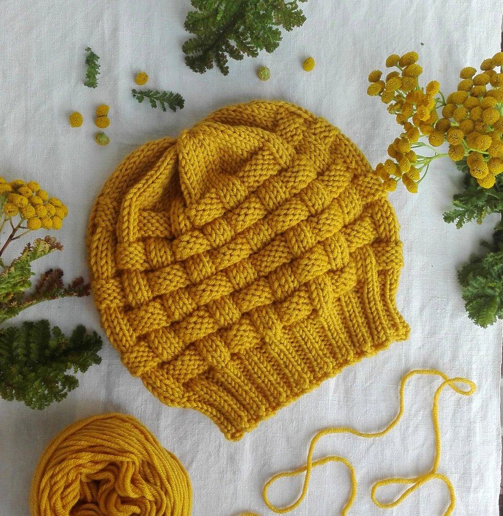 Berretto fatto a mano in pura lana merino giallo senape, nome : Basket hat