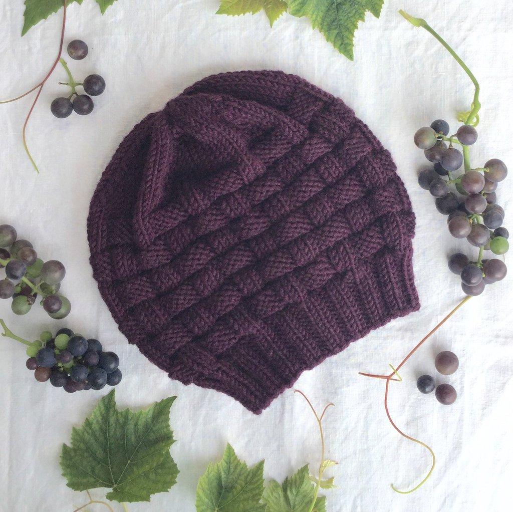 Berretto fatto a mano in pura lana merino viola, nome : Basket hat