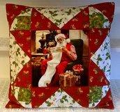 Cuscino Babbo Natale con la lista dei doni in patchwork fatto a mano