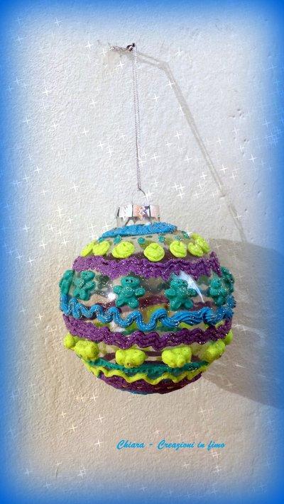 Idea regalo Natale Pallina di Natale realizzata con Doh Vinci