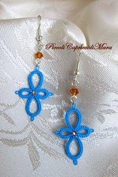 Orecchini azzurri al chiacchierino, cristalli e strass color ambra