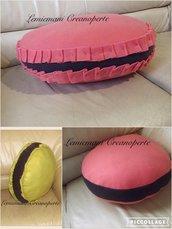 Cuscino Macaron Macarons idea regalo San Valentino
