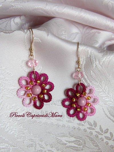 Orecchini rosa e amaranto al chiacchierino, perline dorate, perla in vetro di Boemia, cristallo rosa
