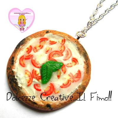Collana Pizza Caprese - mozzarella e pomodorini - handmade kawaii idea regalo