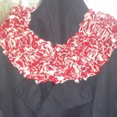 Sciarpa scaldacollo toni del rosso-bordeaux fatta a mano regalo per lei