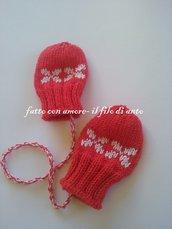 Muffole guanti in lana merinos rossa con disegni bianchi