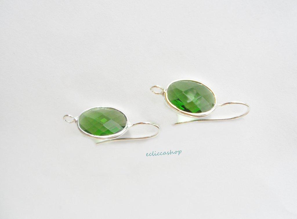 Base orecchini in ottone con mezzo cristallo ovale sfaccettato colore verde smeraldo (1 coppia)