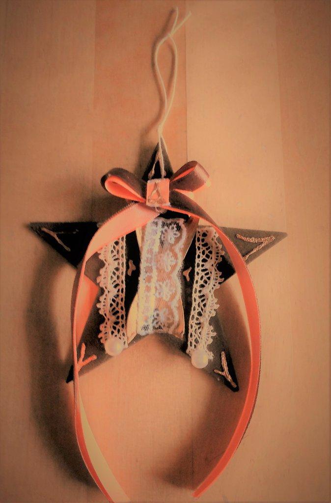 Stella decorata addobbo natalizio con velluto marrone pizzi bacche e nastro arancio