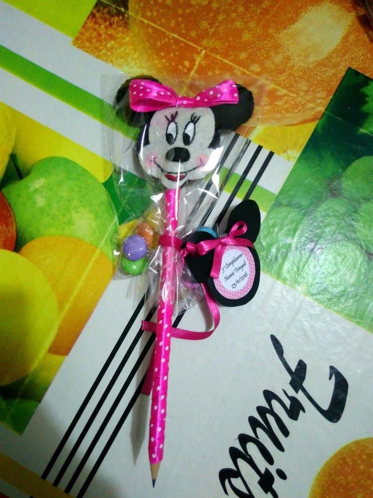 Matite decorate con Minnie e topolino