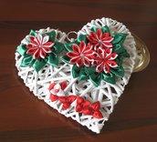 Cuore con fiori Kanzashi rossi e bianchi