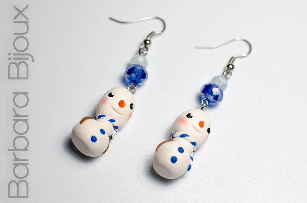 Orecchini  pupazzo di neve inverno, idea regalo natale Kawaii in pasta polimerica.