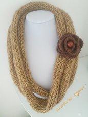 Collana di lana lurex