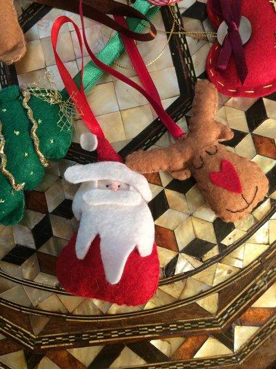 Otto Ninnoli natalizi in pannolenci imbottiti
