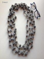Collana lunga di lana