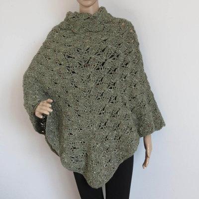 poncho in lana tweed verde salvia