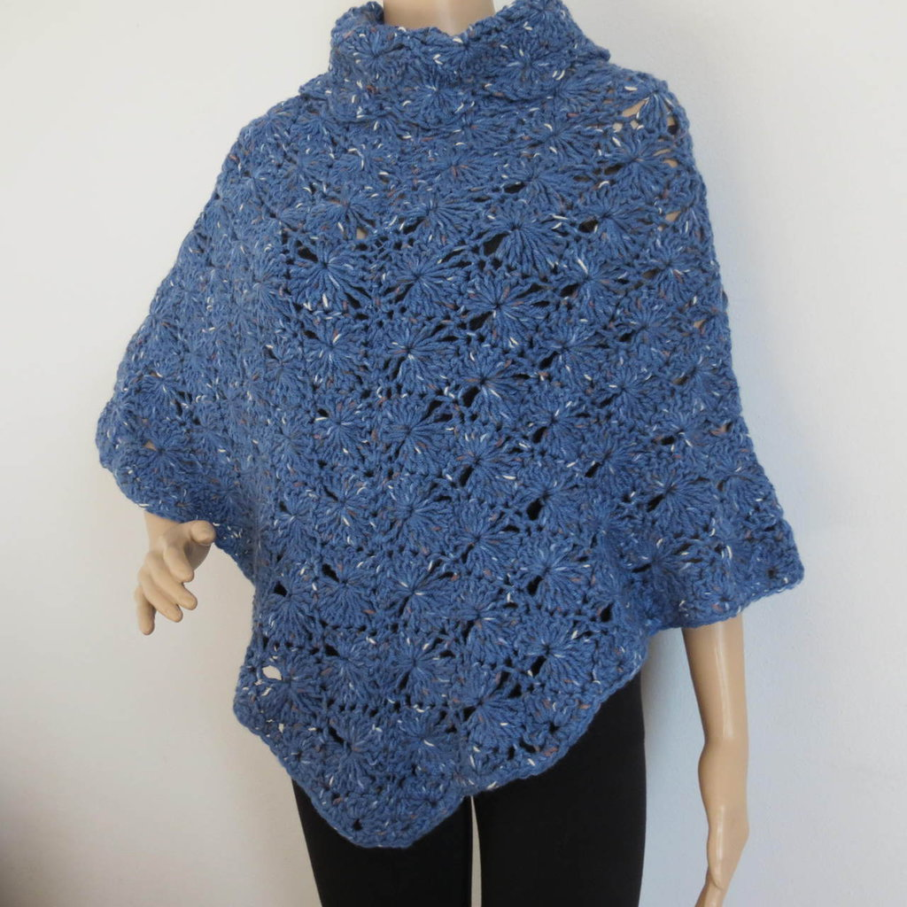 poncho in lana merinos  tweed color blu aviazione
