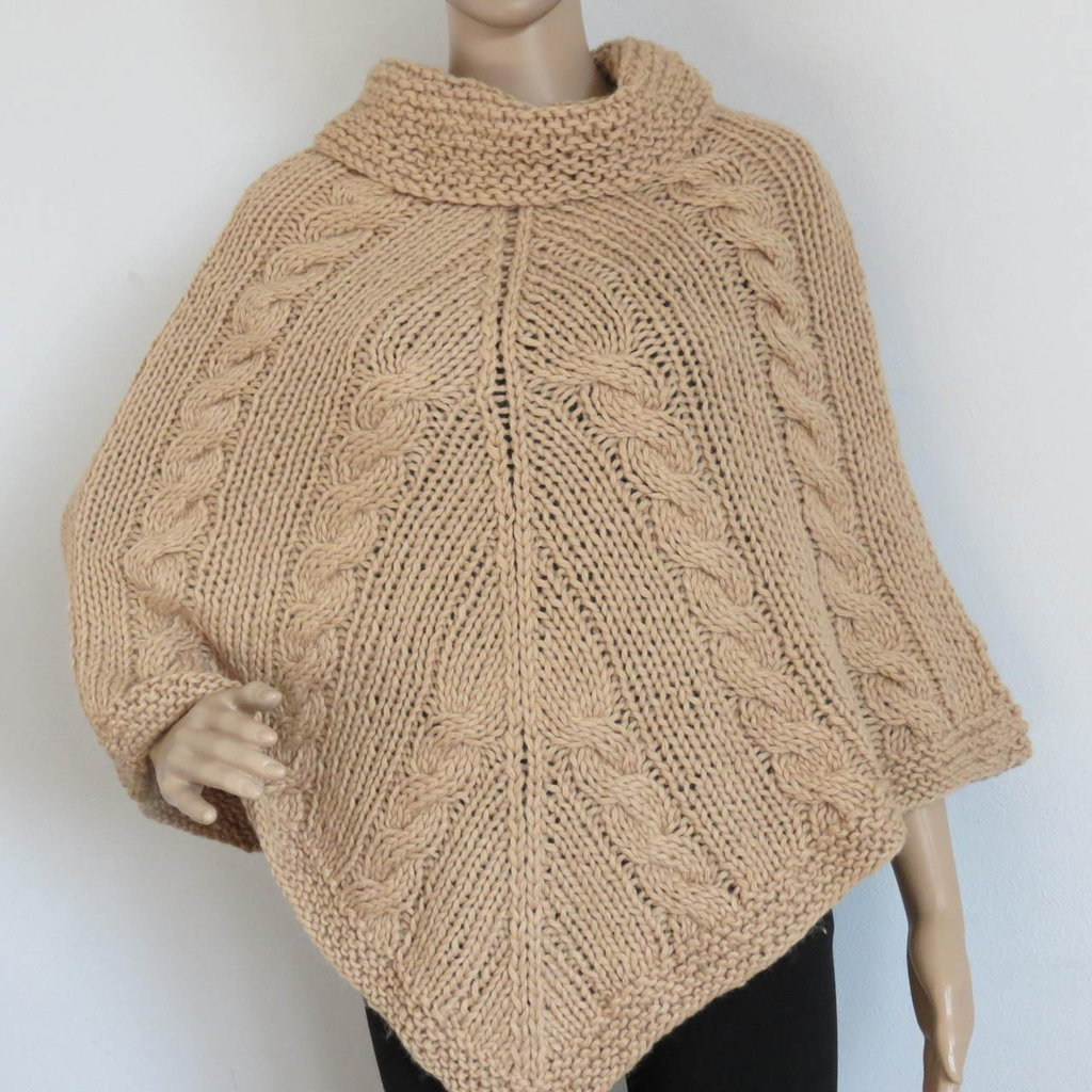 poncho in lana color cammello