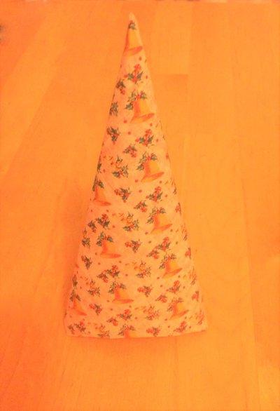 decorazione albero di natale caroncino UNO NE HAI UN ALTRO LO FAI fantasia natalizia campane gialle su base rosa