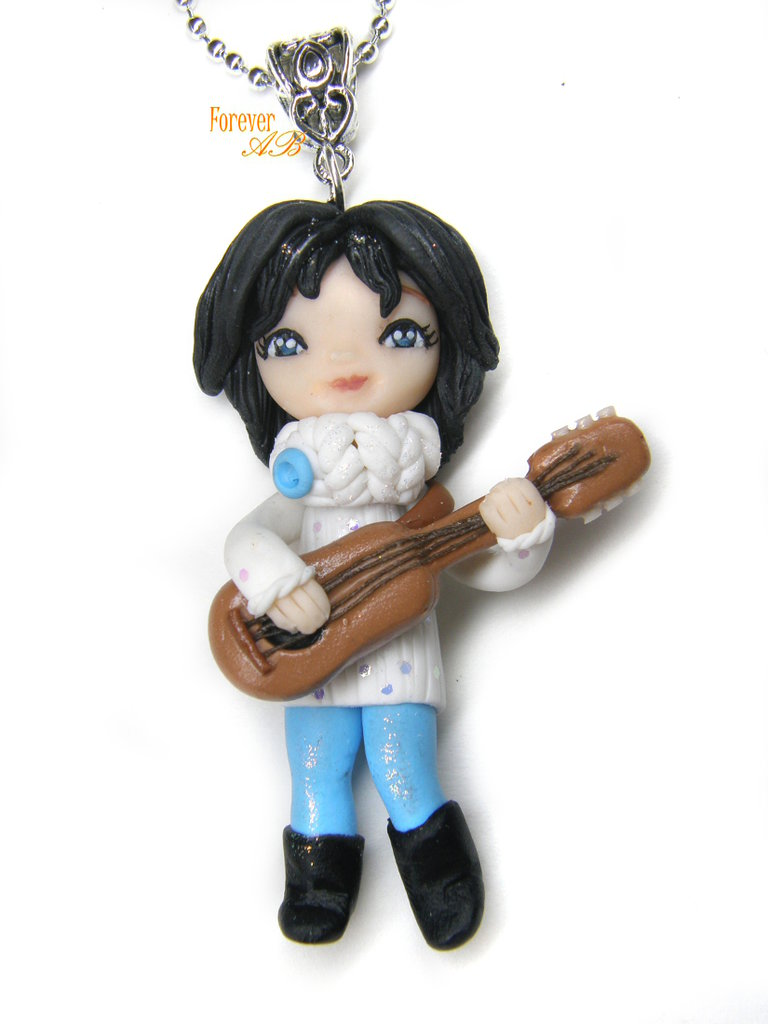Collana bambolina con chitarra doll fimo necklace Natale idea regalo clay