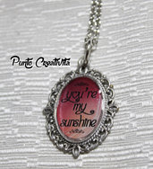 "Collana con cammeo e frase ""You're my sunshine"""
