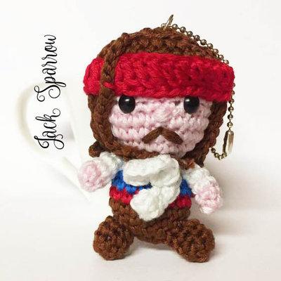 Jack Sparrow amigurumi portachiavi uncinetto
