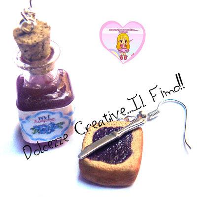 Orecchini marmellata di mirtilli con fetta di pane e coltello - miniatura . dollhouse kawaii