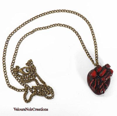Collana lunga bronzo steampunk cuore anatomico.