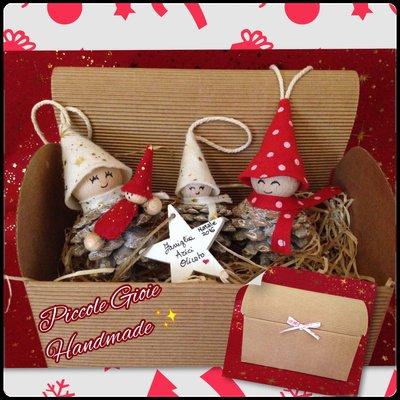 """Set decorazione natalizia """"Famiglia Folletti pigna"""""""