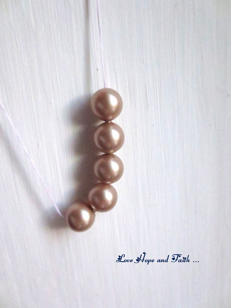 "LOTTO 5 perle ""Powder Almond Pearl  "" (8 mm) (cod. S5810)"