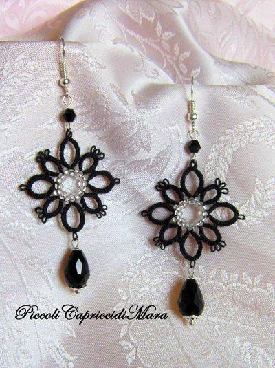 Orecchini neri al chiacchierino, cristalli neri, perline argentate