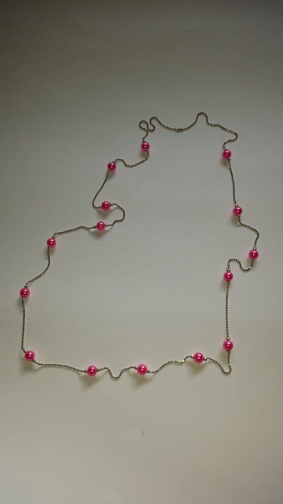 Collana con perline rosa