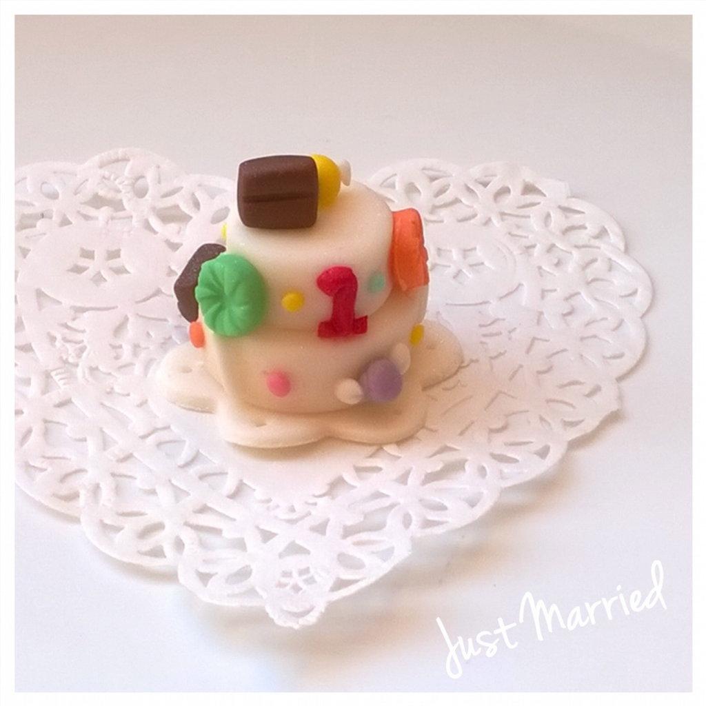 minicake primo compleanno in pasta di zucchero