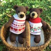 Orsetto in lana realizzato a maglia.Imbottitura in kapok.