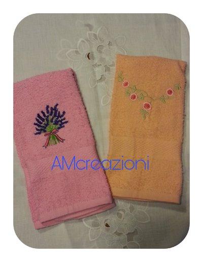 Coppia di asciugamani ospiti  in spugna ricamati