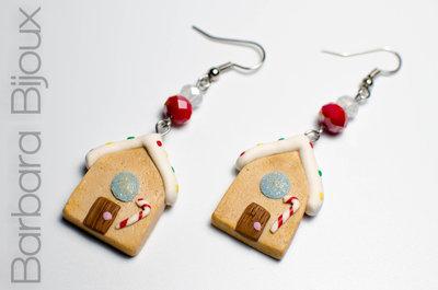 Orecchini casetta di marzapane inverno, idea regalo natale in pasta polimerica.