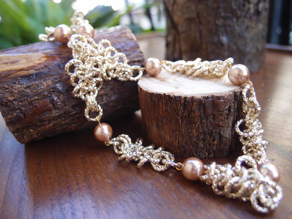 collier chainmail maglia europea e perle colore champagne
