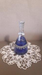 Vaso natalizio blu e argento decorato a mano