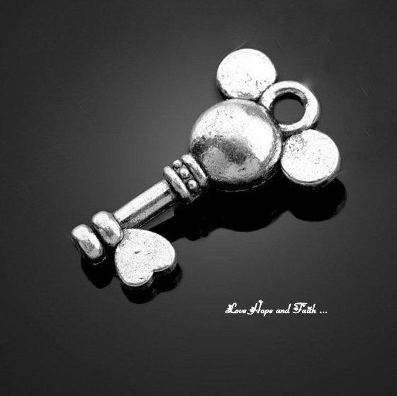 "Charm ""Mouse Keys"" color argento (10,8x17,8mm) (cod. New)"