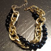 Bracciale catena dorata e perline nere