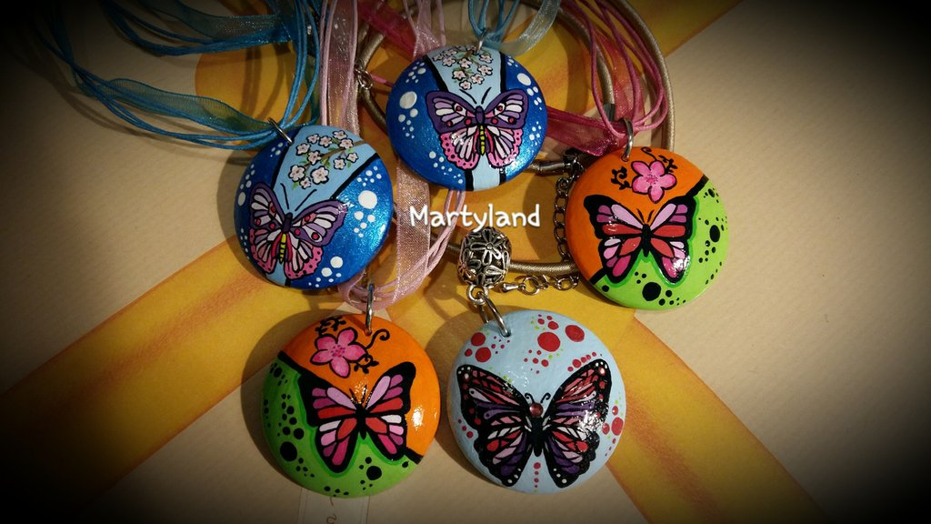Collane farfalla dipinte a mano