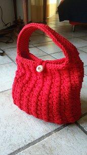 borsa rossa in fettuccia di tulle