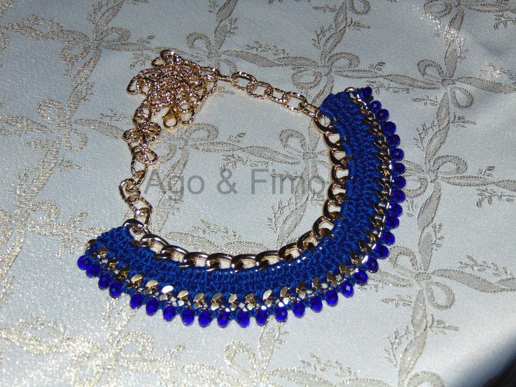 Collana egiziana uncinetto blu