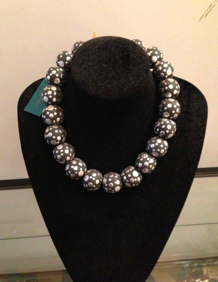 Collane con perle borchiate
