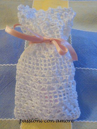 sacchettino bomboniera o segnaposto all'uncinetto per matrimonio cresima comunione battesimo