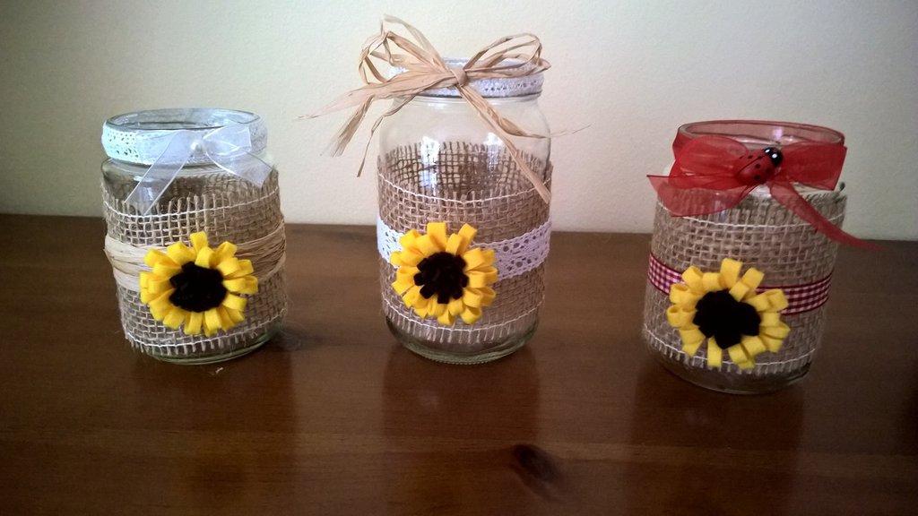 Vasetti in vetro decorato